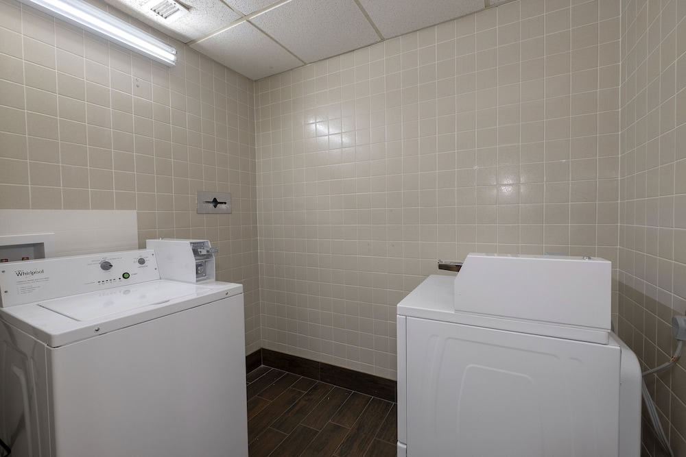 Laundry Room, Red Roof Inn Prattville
