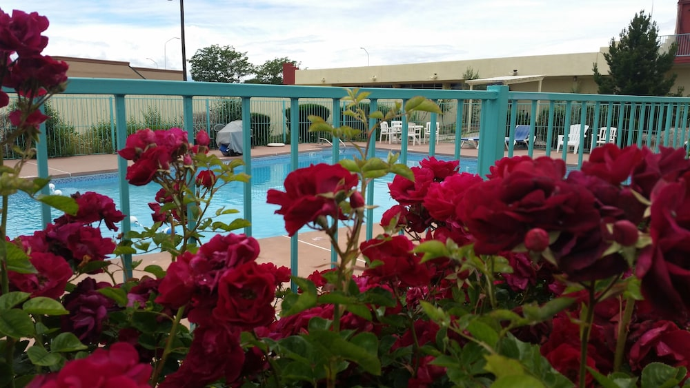 Outdoor Pool, Days Inn by Wyndham Santa Fe New Mexico