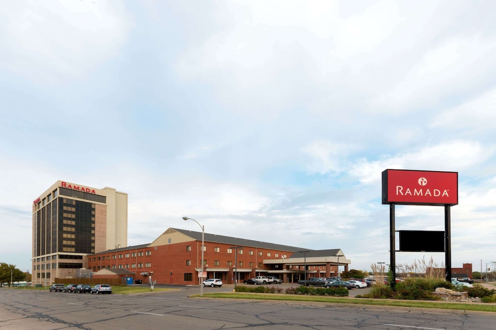 Featured Image, Ramada Hotel & Convention Center by Wyndham Topeka Downtown
