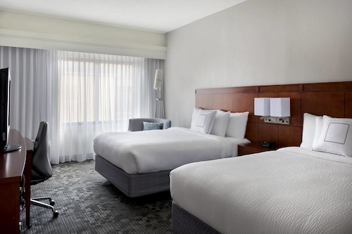 Courtyard by Marriott - Newport Middletown
