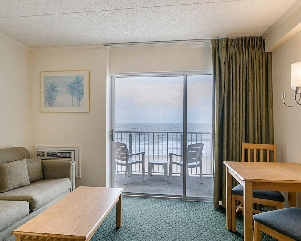 Room, Econo Lodge Oceanfront
