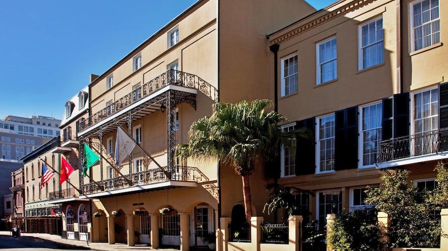 Holiday Inn FRENCH QUARTER-CHATEAU LEMOYNE, an IHG Hotel