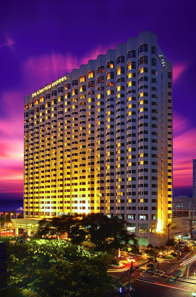 Front of Property - Evening/Night, Diamond Hotel Philippines