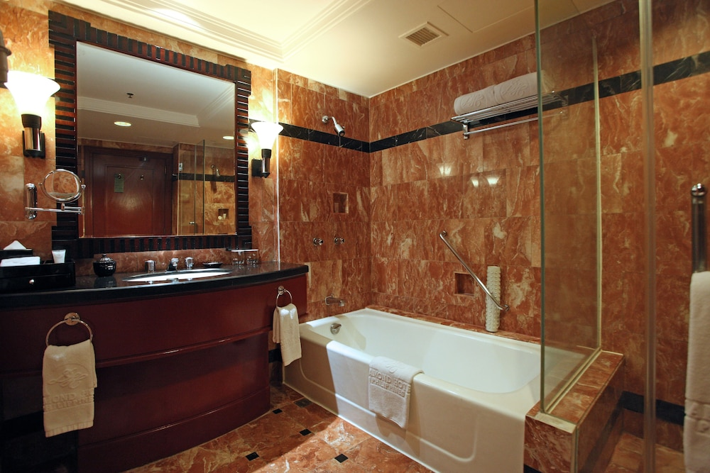 Bathroom, Diamond Hotel Philippines