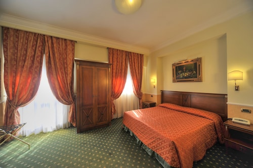 オーロラ ガーデン ホテル