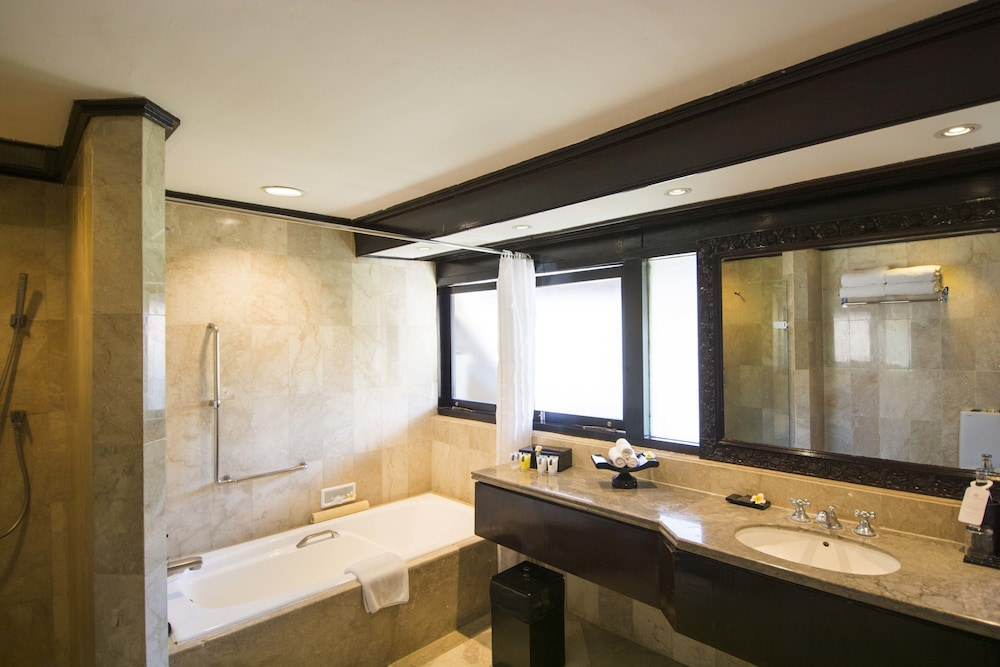Bathroom, The Royal Beach Seminyak Bali - MGallery Collection