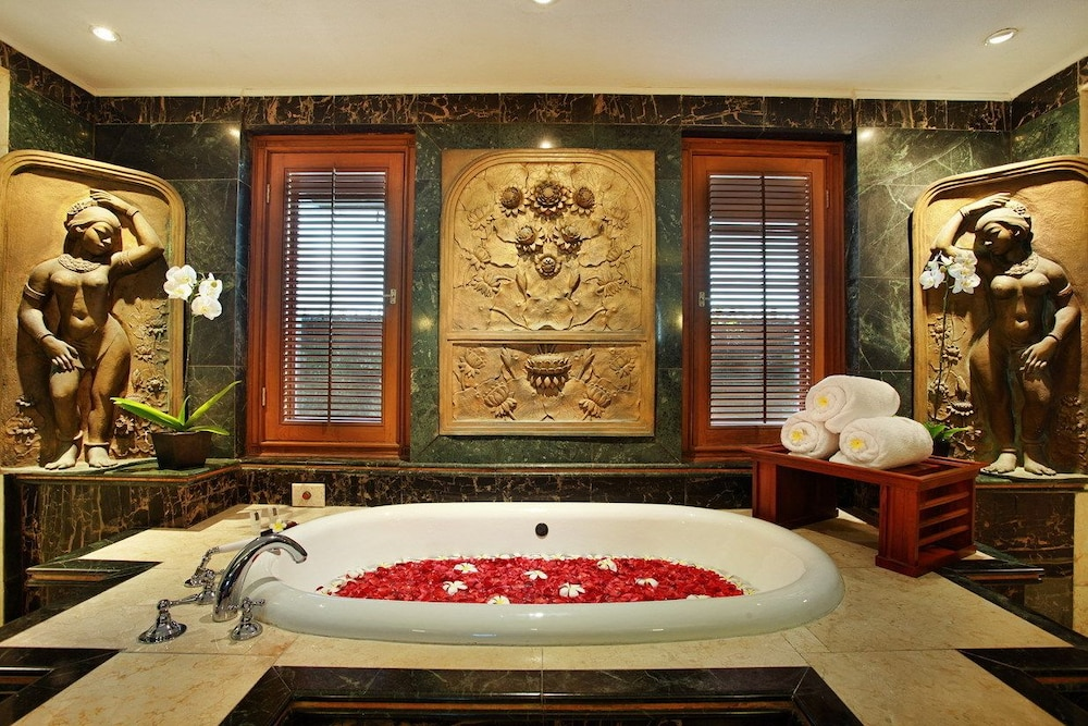 Deep Soaking Bathtub, The Royal Beach Seminyak Bali - MGallery Collection