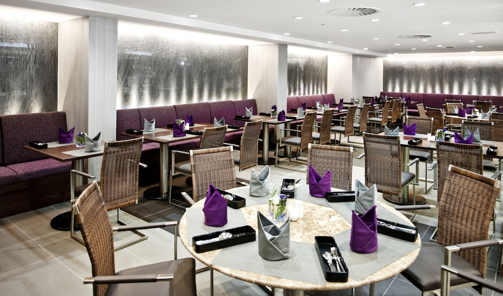 Restaurant, Eastin Grand Hotel Saigon