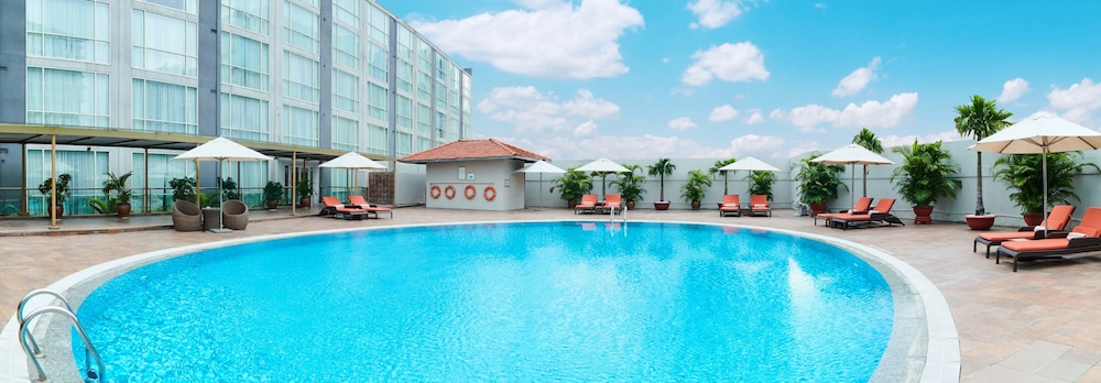 Pool, Eastin Grand Hotel Saigon