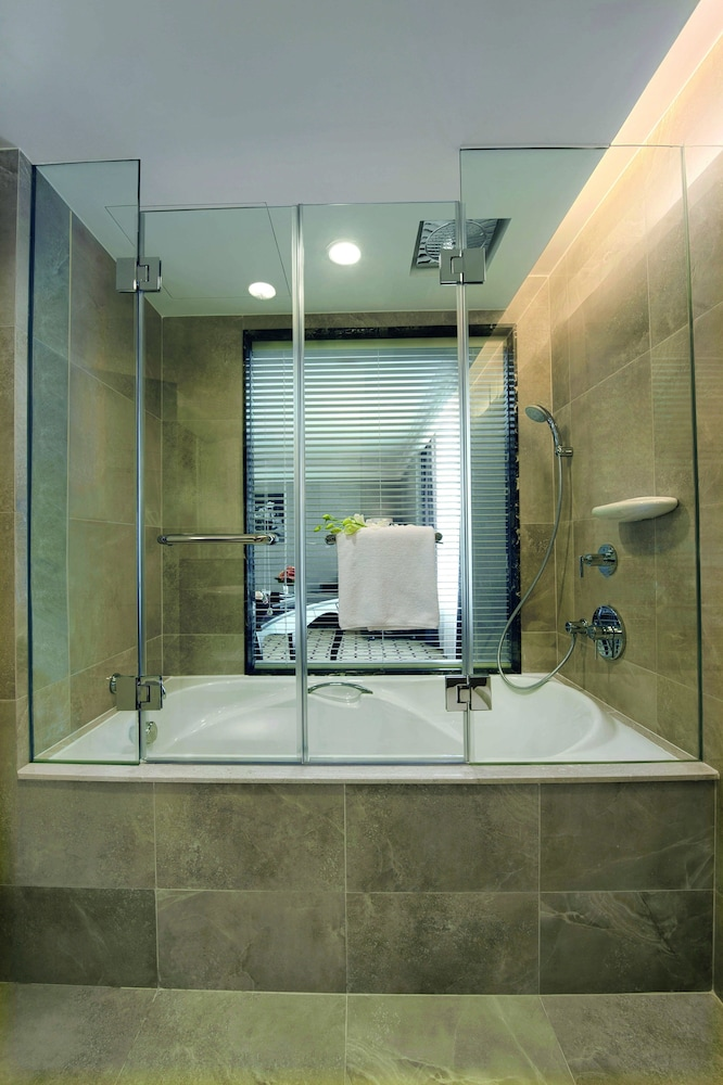 Bathroom, Eastin Grand Hotel Saigon