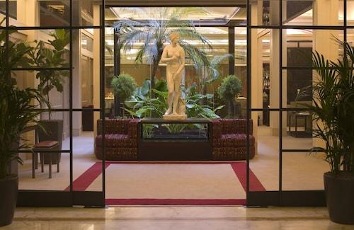 デイ ボルゴニョーニ ホテル