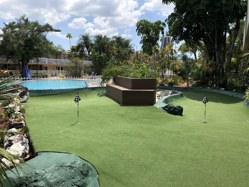 Mini-Golf, Quality Inn & Conference Center