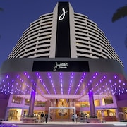 Hotels broadbeach casino soaring eagle casino hotel rates