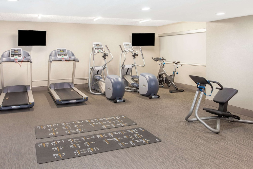 Fitness Facility, La Quinta Inn & Suites by Wyndham Lubbock West Medical Centr