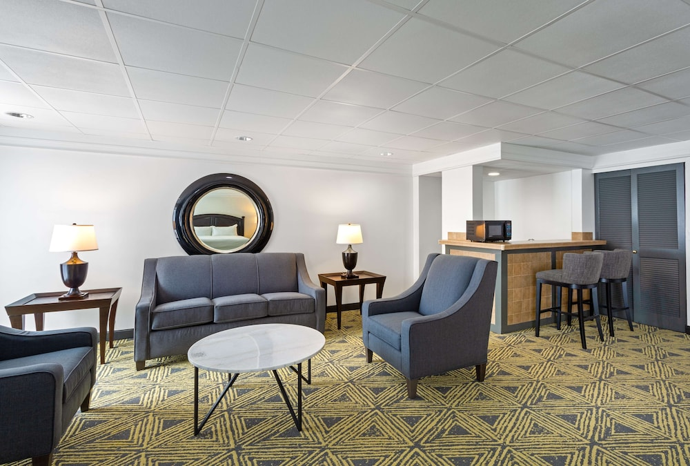 Living Area, DoubleTree by Hilton Hotel Pittsburgh - Meadow Lands