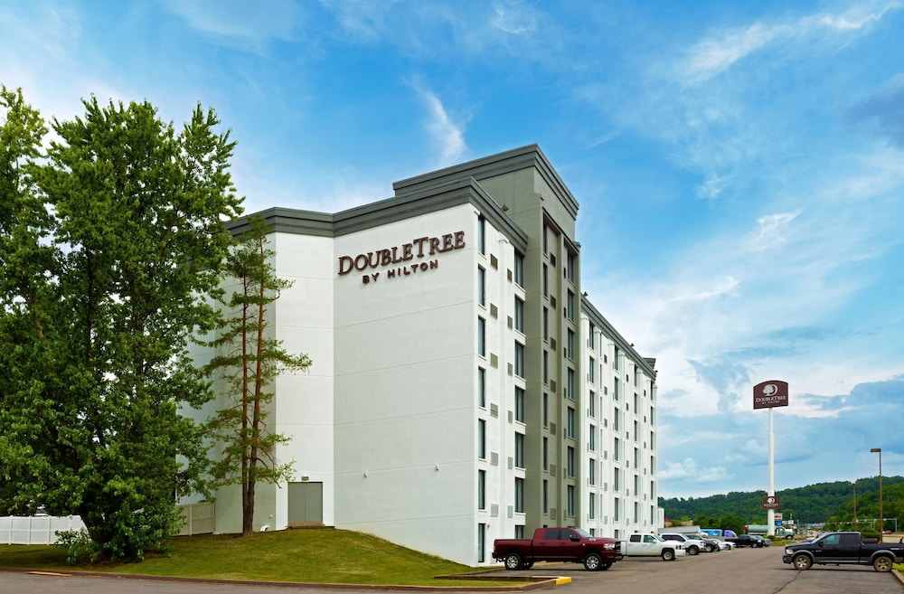 Exterior, DoubleTree by Hilton Hotel Pittsburgh - Meadow Lands