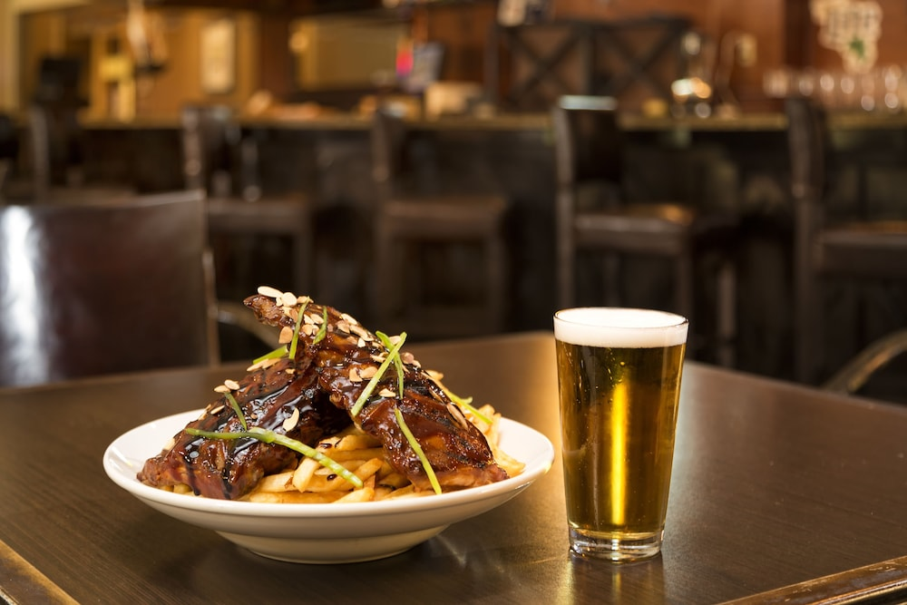 Food and Drink, DoubleTree by Hilton Hotel Pittsburgh - Meadow Lands