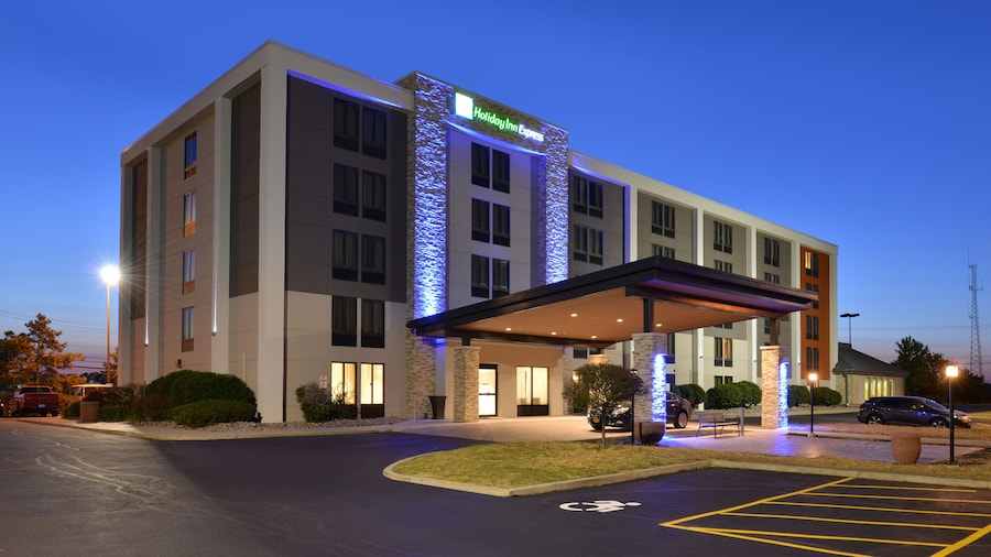 Holiday Inn Express Rochester - University Area, an IHG Hotel