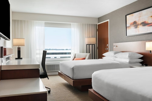 Delta Hotels by Marriott Indianapolis Airport