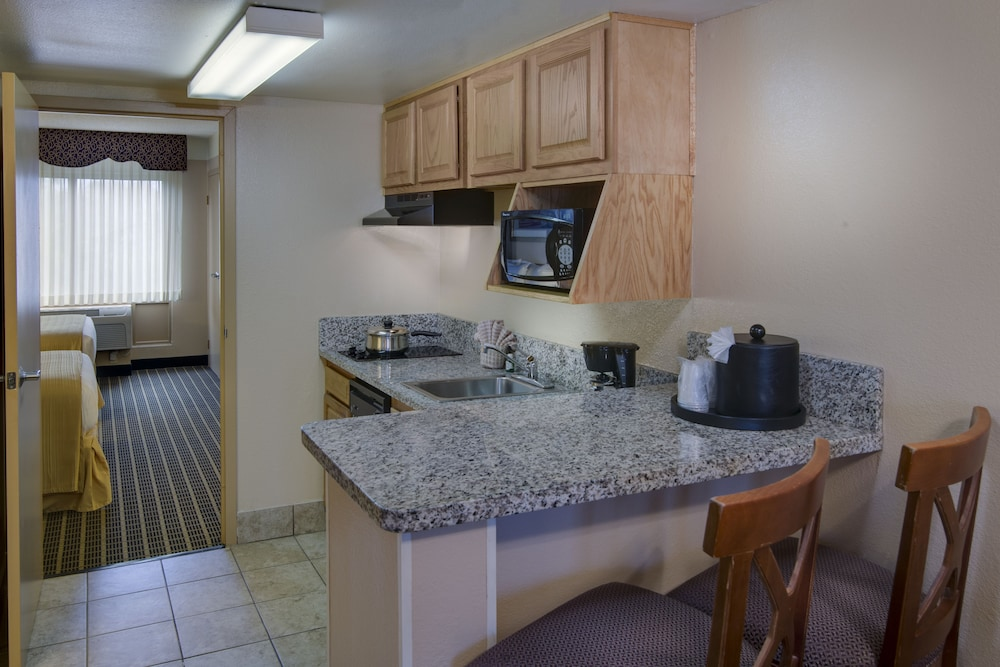 Private Kitchenette, Staybridge Suites Orlando Royale Parc Suites