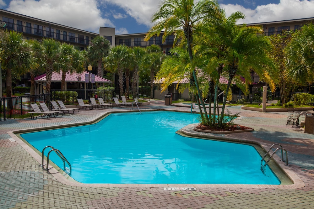Pool, Staybridge Suites Orlando Royale Parc Suites