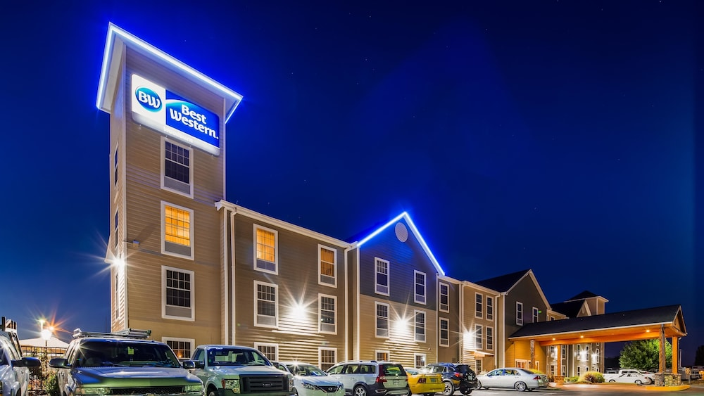 Featured Image, Best Western Woodburn