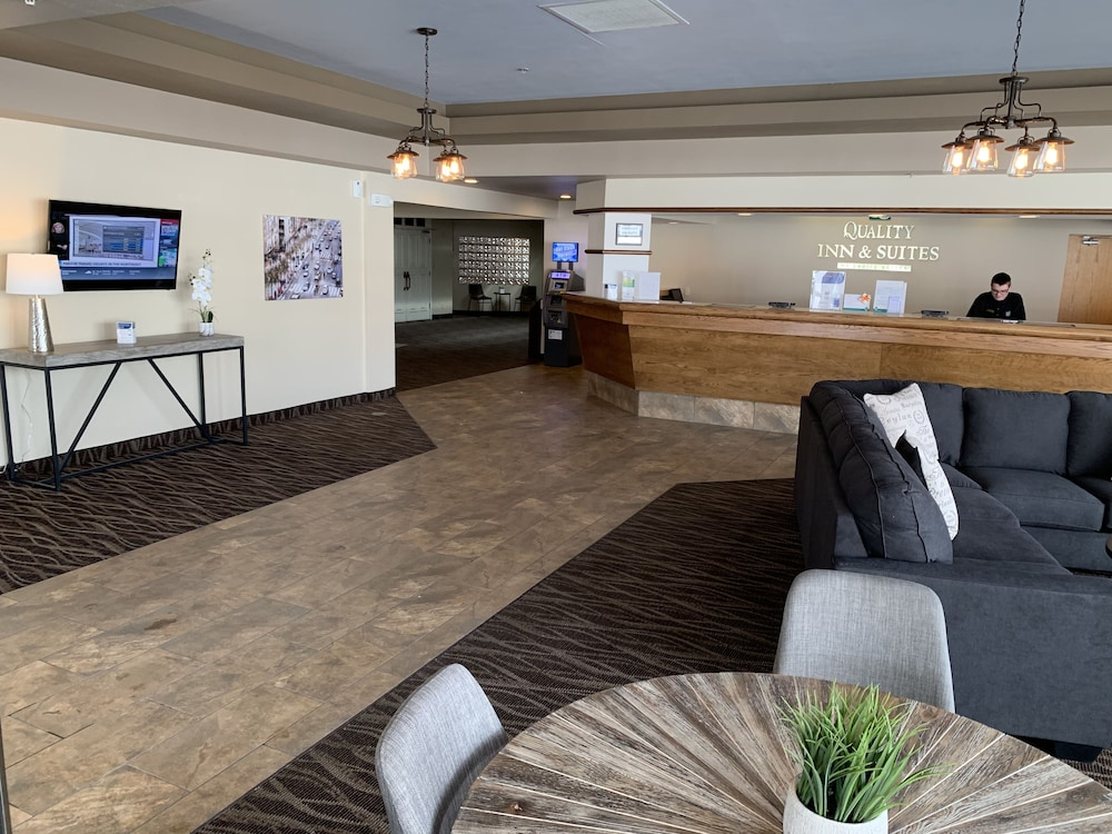 Lobby, Quality Inn & Suites Butte