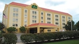 La Quinta Inn & Suites Cleveland Airport West - North Olmsted Hotels