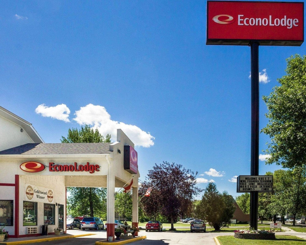 Econo Lodge Grand Forks 2019 Room Prices Deals Reviews Expedia