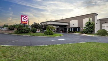 Red Roof Inn PLUS+ Woodbridge - Linden/ Carteret