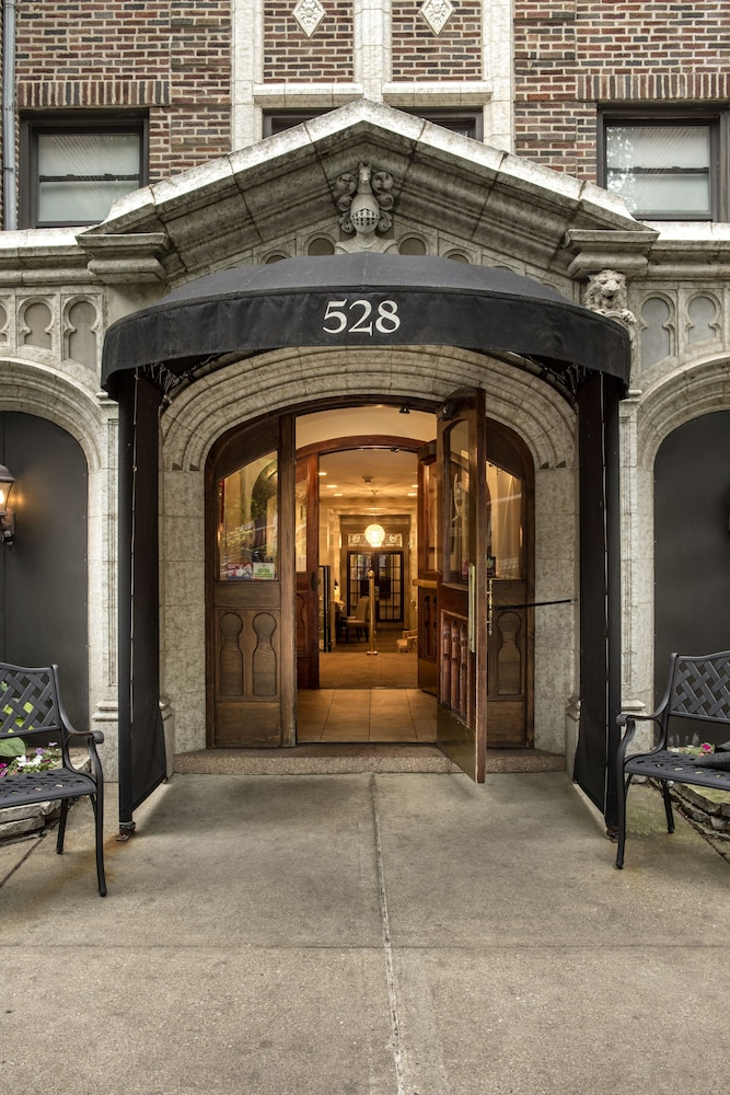 Property Entrance, The Majestic Hotel