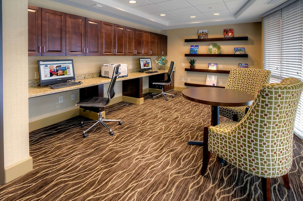 Business Center, Hampton Inn & Suites Destin