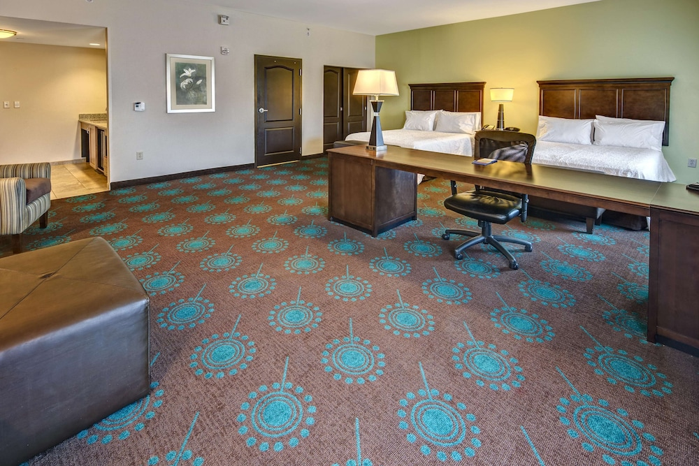 Living Area, Hampton Inn & Suites Destin