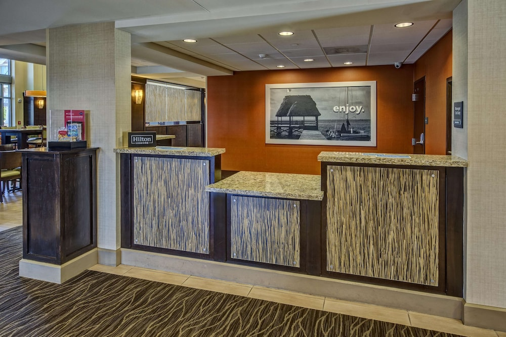 Reception, Hampton Inn & Suites Destin