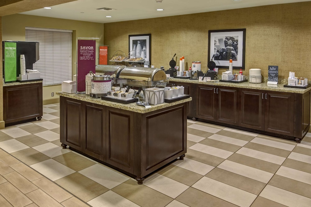 Breakfast buffet, Hampton Inn & Suites Destin