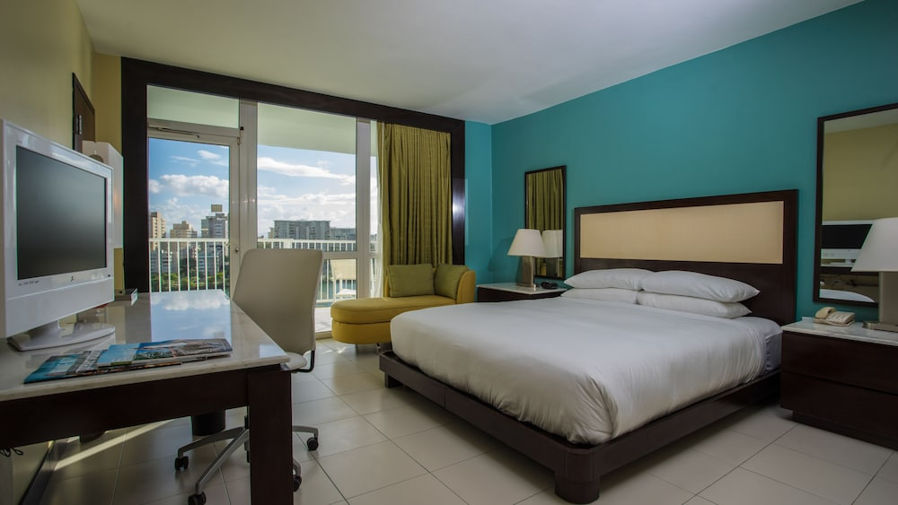 Room, The Condado Plaza Hilton