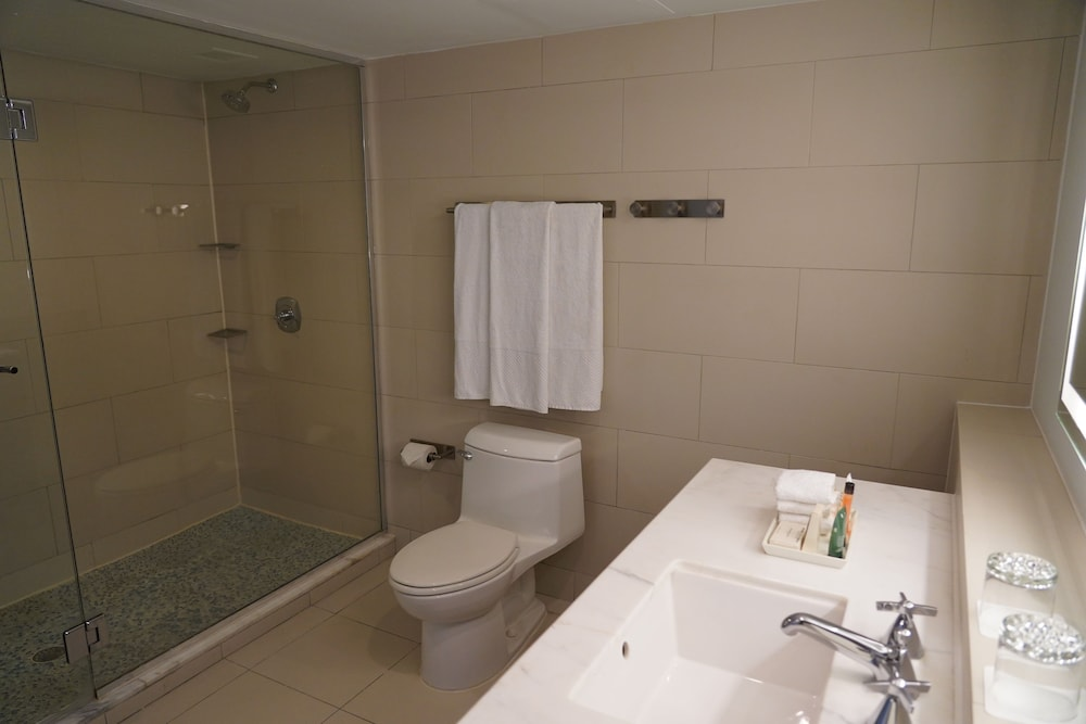 Bathroom, The Condado Plaza Hilton