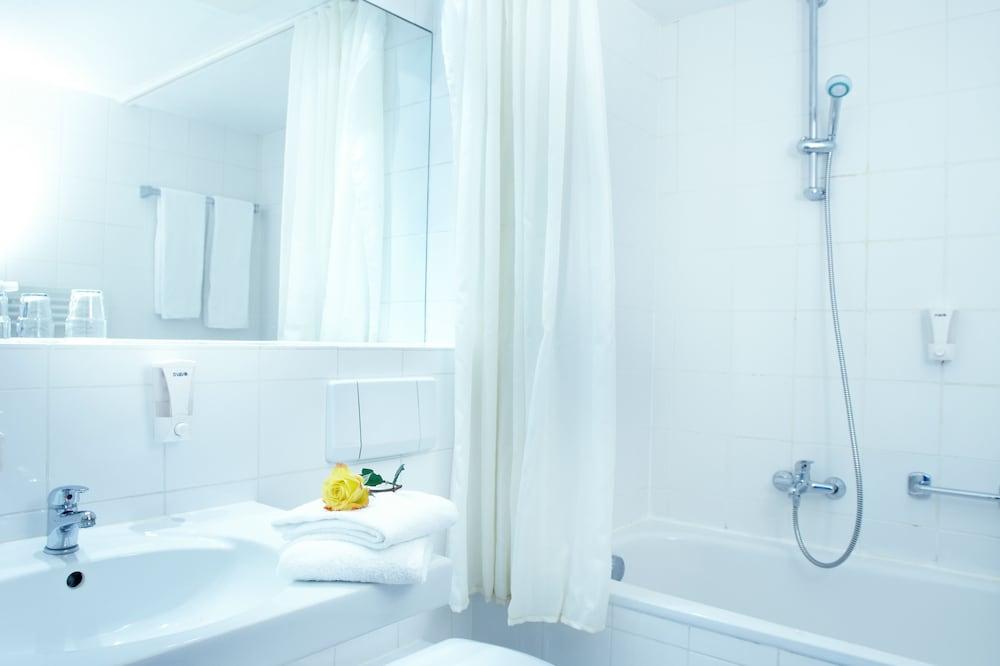 domicil hamburg by golden tulip in hamburg hotel rates reviews on orbitz. Black Bedroom Furniture Sets. Home Design Ideas
