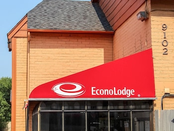 Econo Lodge near The Domain - The Arboretum
