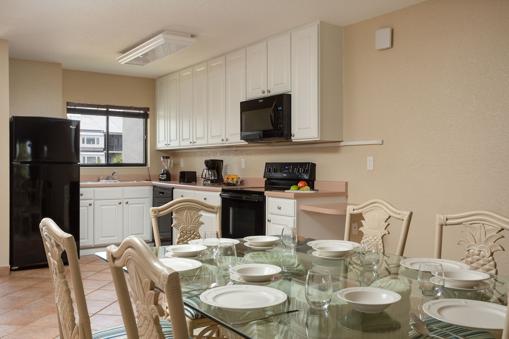 Private Kitchen, Orbit One Vacation Villas by Diamond Resorts