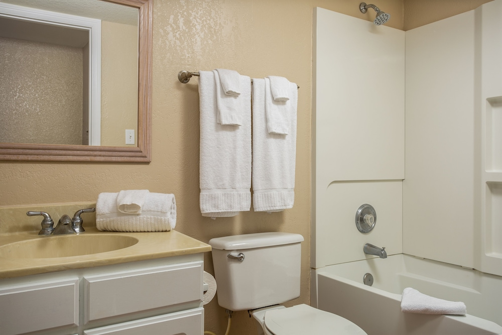 Bathroom, Orbit One Vacation Villas by Diamond Resorts