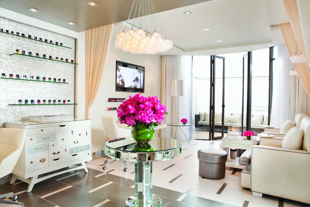 Nail Salon, Beverly Wilshire - Beverly Hills, A Four Seasons Hotel