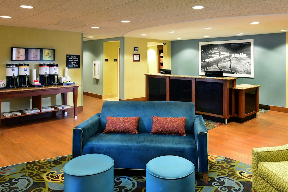 Reception, Hampton Inn Raleigh / Town Of Wake Forest