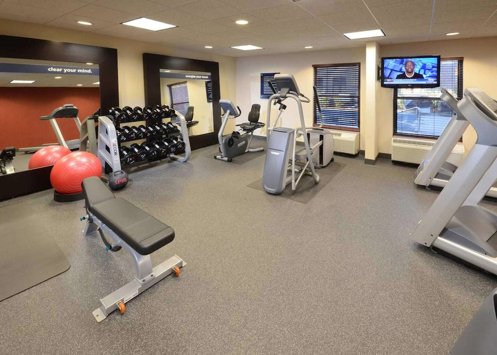 Fitness Facility, Hampton Inn Raleigh / Town Of Wake Forest