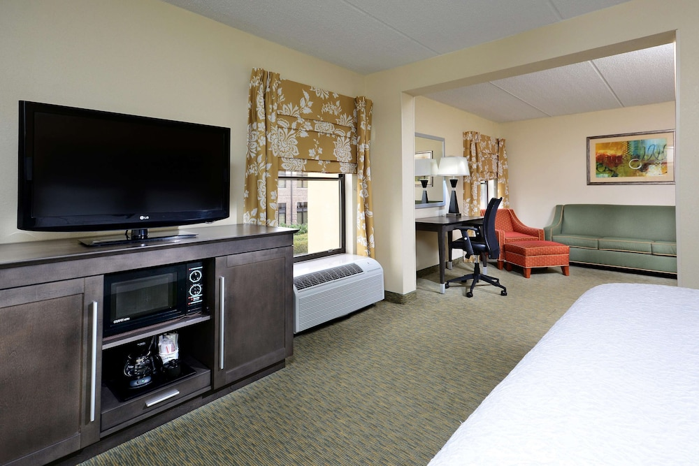 Room, Hampton Inn Raleigh / Town Of Wake Forest