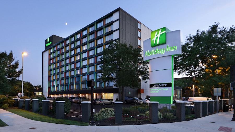 Holiday Inn Boston Bunker Hill Area, an IHG Hotel