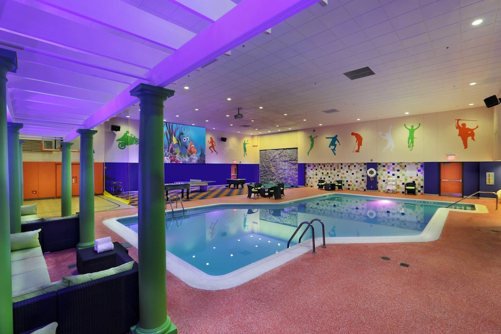 Indoor Pool, Holiday Inn Boston Bunker Hill Area