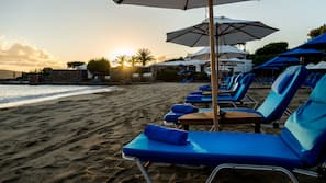 Privatstrand, weißer Sandstrand, Cabañas (kostenlos), Liegestühle