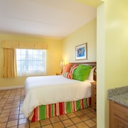 One Bedroom Suite - Guestroom