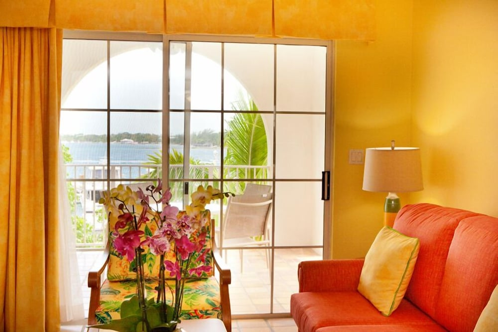 Living Room, Paradise Harbour Club & Marina